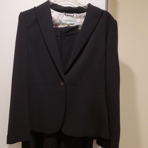 Calvin Klein women's 2 piece business pant suit
